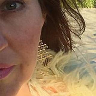 Deanna M. profile image