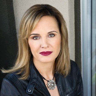 Cynthia B. profile image