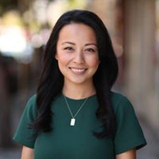Christine H. profile image