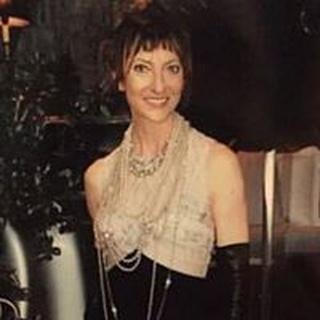 Suzi W. profile image