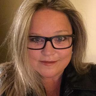 Deanna K. profile image