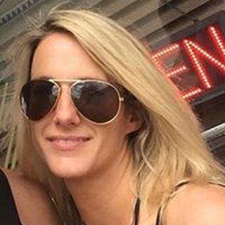 Leslie E. profile image