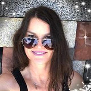 Christine R. profile image