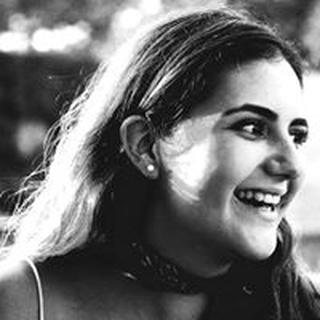 Fernanda A. profile image