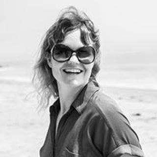 Paula L. profile image