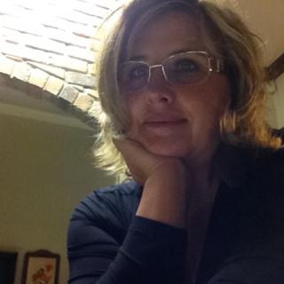 Elena D. profile image