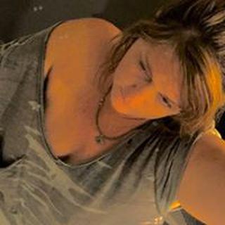 Ronna F. profile image