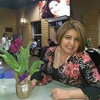 Yadira R. profile image