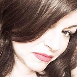 Julie L. profile image