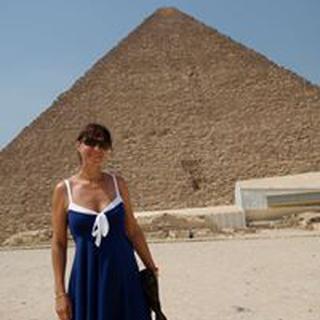 Elena L. profile image