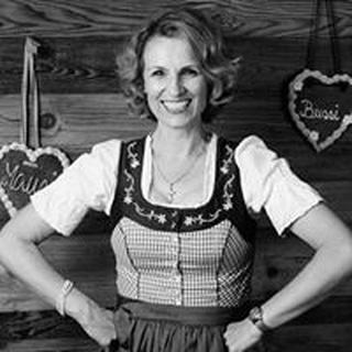 Karin S. profile image