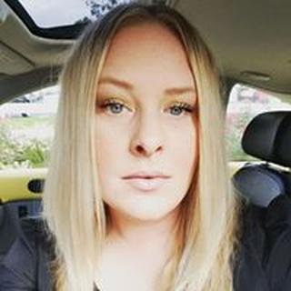 Nikki W. profile image