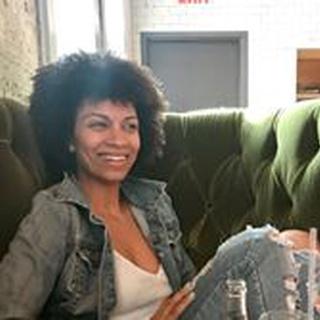 Lauren R. profile image