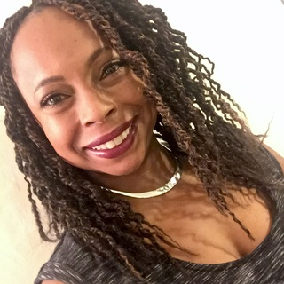 Lisa C. profile image