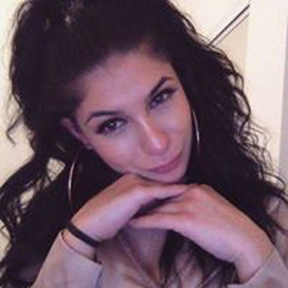 Nina I. profile image