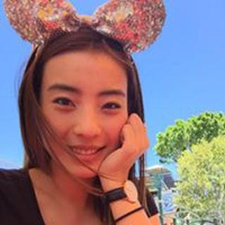 Vivian S. profile image