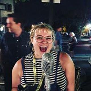 Annie J. profile image