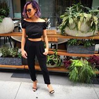 Lynnette L. profile image