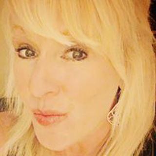 Jennifer L. profile image