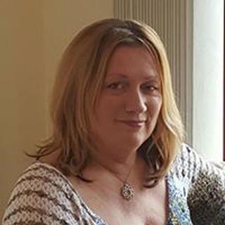 Paula M. profile image
