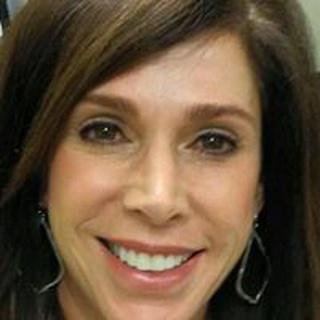 Monica V. profile image
