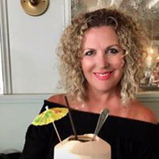 Amy M. profile image
