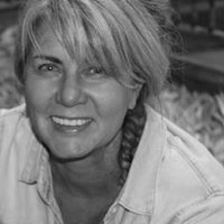 Janet D. profile image