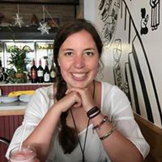 Manuela R. profile image