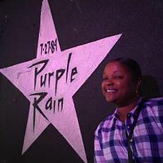 Angie R. profile image