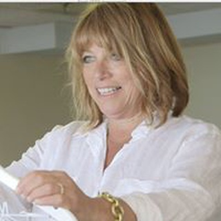 Laurie C. profile image